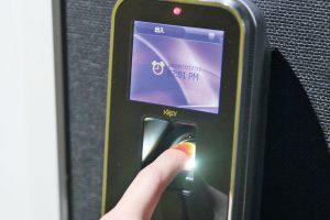 指紋認証でセキュリティ対策は万全!